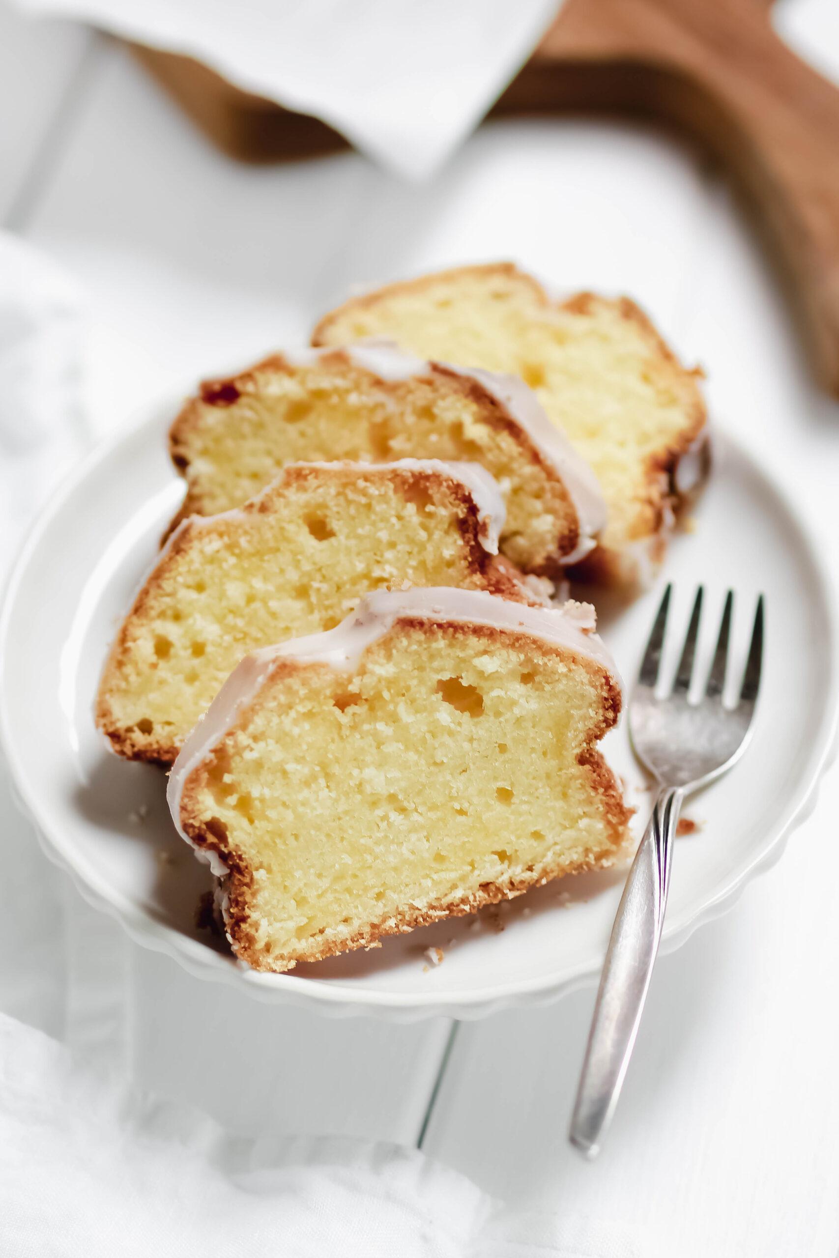 easy peasy lemon squeezy – saftiger Zitronenkuchen