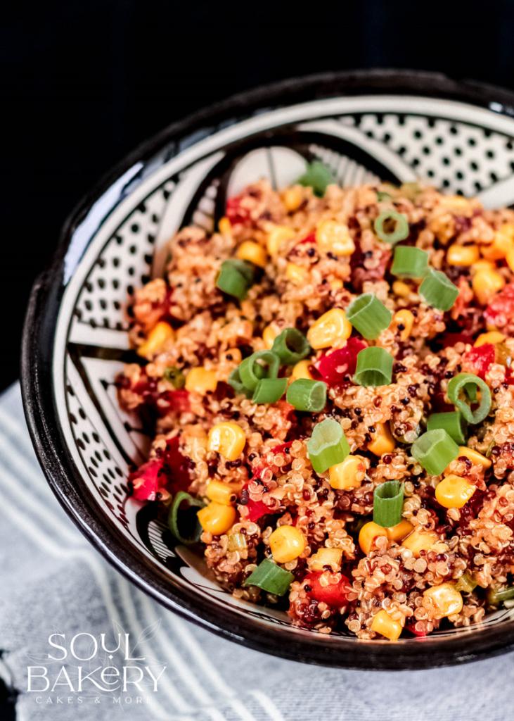Quinoa Salat, veganer Salat,vegane Ernährung, veganer Quinoa Salat, Grillbeilage, Salat zum Grillen