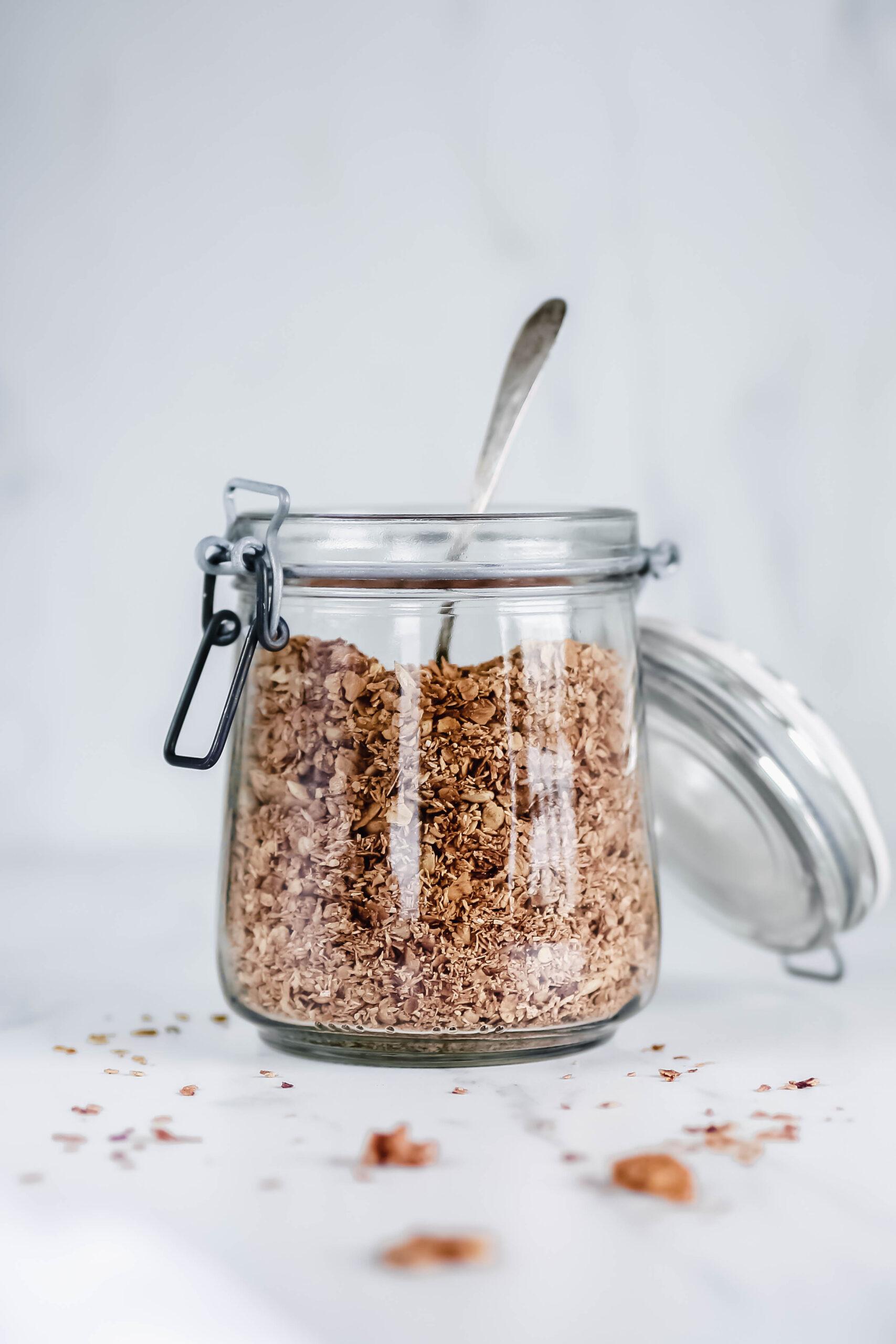 leckeres Knuspermüsli: Kokos-Nuss-Granola